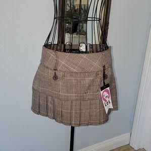 LEI Short pleated skirt